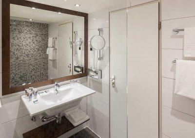 Mercure Amsterdam West Bathroom Standard Room
